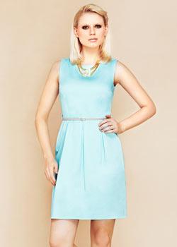 Błękitna pastelowa sukienka